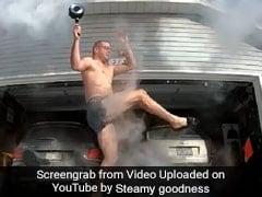 हवा में उछाल रहा था खौलता पानी, यूं खुद को ही जला बैठा ये शख्स, देखें VIRAL VIDEO