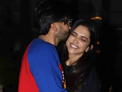Deepika Padukone's Valentine's Day Plan Includes Ranveer Singh's <i>Gully Boy</i>
