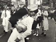 """Kissing Sailor"" In Iconic Photo Marking End Of WW II Dies At 95"