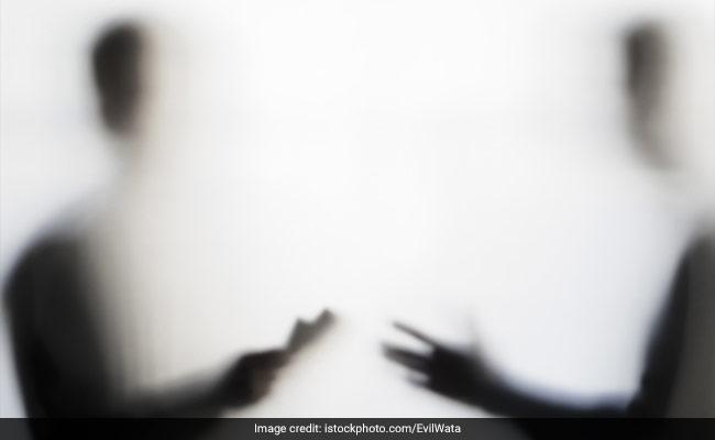 असम: नागरिकता सूची में नाम जोड़ने के लिए रिश्वत लेने के आरोप में दो अधिकारी गिरफ्तार