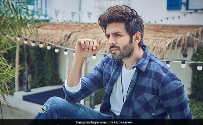 Valentine's Day: The Internet Has No Sympathy For Kartik Aaryan's ROFL Post. Because, Sara Ali Khan