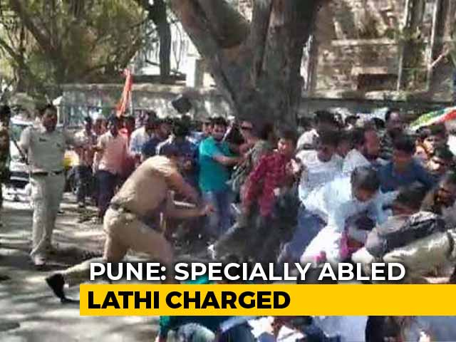 Video : Deaf Protesters Baton-Charged In Pune, Devendra Fadnavis Seeks Report