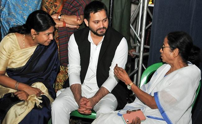 CBI vs कोलकाता पुलिस: ममता से मिलने के बाद बोलीं कनिमोई- मोदी जी ने विपक्ष को दिया प्री-इलेक्शन गिफ्ट