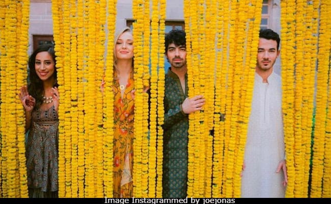 Sophie Turner And Jonas Brothers Rock The 'In-N-Out' Pic From Indian Shaadi