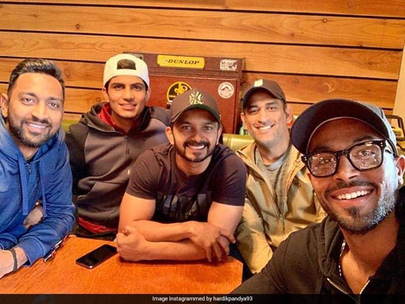 "Hardik Pandya Enjoys ""Food"" With Teammates, Trolls Ask For ""Coffee"""