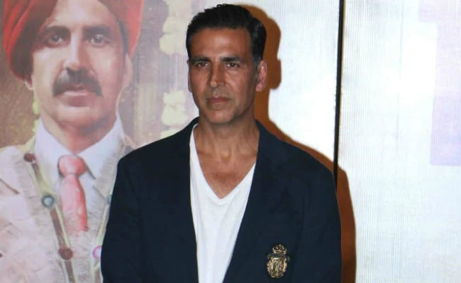 Pulwama Terror Attack: 'We Can't Let This Be Forgotten,' Akshay Kumar, Priyanka Chopra, Abhishek Bachchan And Others React With Shock