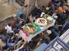 Pulwama Terror Attack Updates: पाकिस्तान से आयात होने वाली सभी वस्तुओं पर लगेगा 200 फीसदी का सीमा शुल्क
