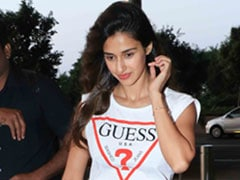 Wear Your Jeans With A Chic Crop Tee Like Disha Patani. 5 Top Picks
