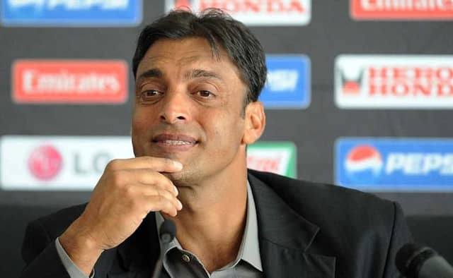 Shoaib Akhtar disappointed with Pakistan bowling after another defeat,Fan reacts