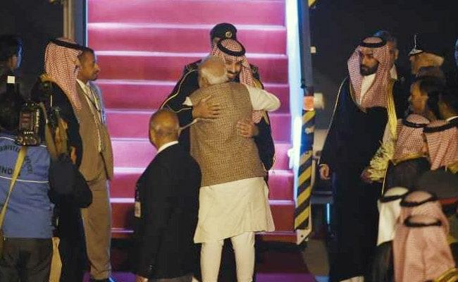 सऊदी अरब के शहजादे मोहम्मद बिन सलमान भारत पहुंचे, एयरपोर्ट पर PM मोदी ने किया स्वागत