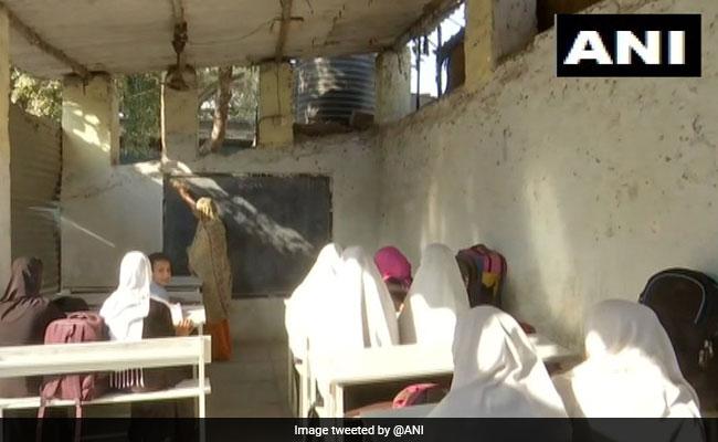 ওরা 'ক্লাস' করে, 'টিন'-ভুবনের পারে, জানুন হায়দরাবাদের এক অদ্ভুত স্কুলের কথা