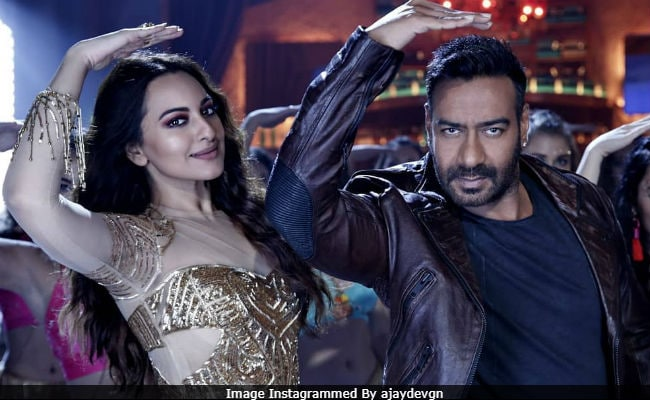 Total Dhamaal's Mungda: Sonakshi Sinha And Ajay Devgn Rock This Redux; Akshay Kumar Is A Fan