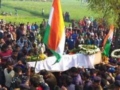 पुलवामा हमला: शहीद रमेश के पिता ने नौकरी के लिए गिरवी रखी थी जमीन, बेटे से किया वादा भी रह गया अधूरा