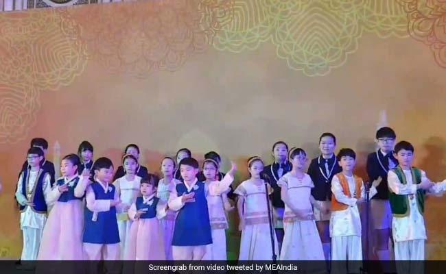Video: South Korean Children Sing 'Vaishnav Jan' To Honour PM Modi