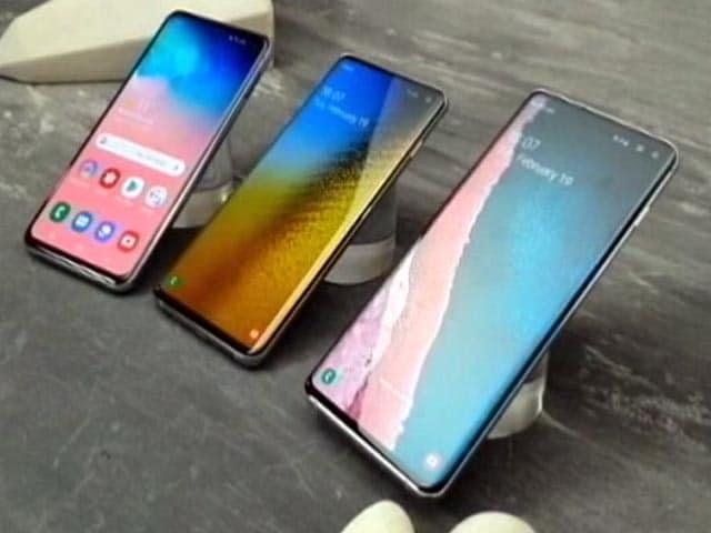Video : Samsung Unfolds Its Latest Phone!