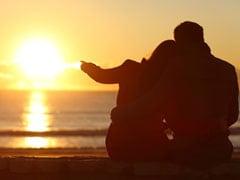 Hug Day Messages: जादू की झप्पी से पहले अपने LOVE को इन मैसेजेस से दें Hug Day की बधाई