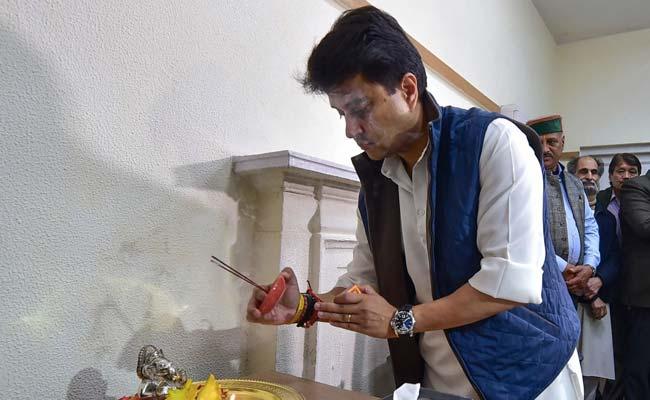 With 'Ganesh Pooja', Jyotiraditya Scindia Takes Over As Congress General Secretary