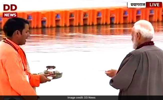 PM Modi At Kumbh Mela, Offers Prayers By The Ganga: Highlights