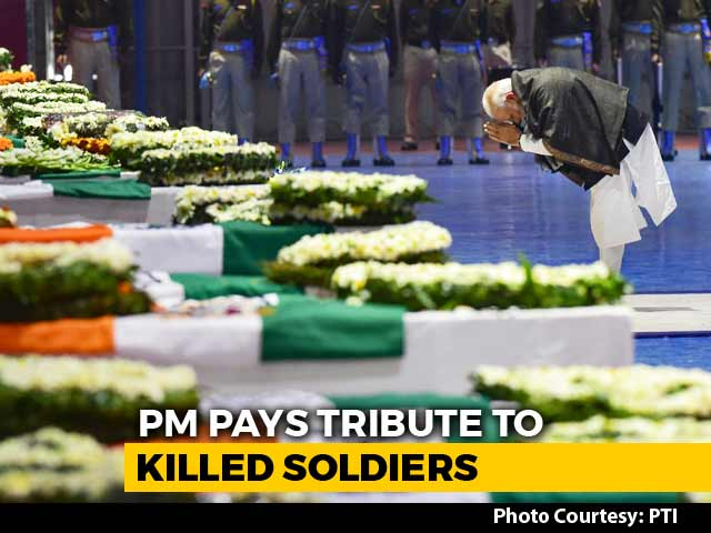 Video : As Soldiers' Bodies Arrive, PM, Rahul Gandhi Pay Tribute At Delhi Airport