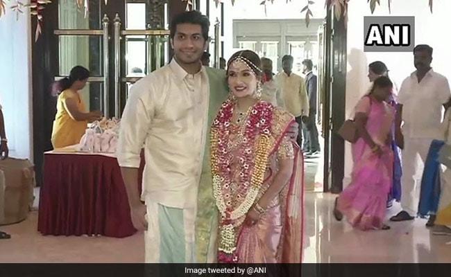 Soundarya Rajinikanth Marriage: सौंदर्या की शादी में Thalaivar का दिखा अनोखा अंदाज, Video और Photo हुईं वायरल