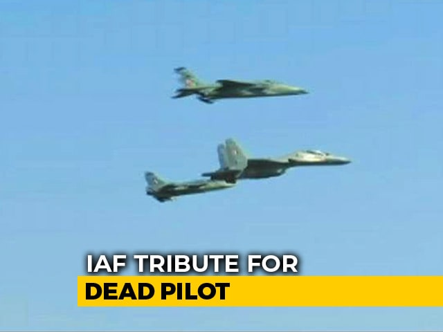 Video : Watch: Air Force's 'Missing Man' Formation Honours Pilot Killed In Crash