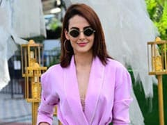 Mandana Karimi Welcomes Spring In Lovely Lavender. 6 Stylish Ways You Can Too