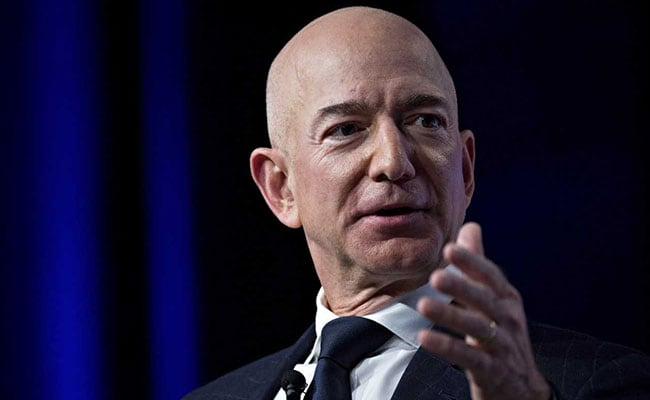 Jeff Bezos Meets Girlfriend's Sons Over Dinner In New York