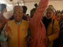 धर्म संसद: RSS प्रमुख मोहन भागवत के भाषण के बाद संतों ने किया हंगामा, लगाए 'मंदिर की तारीख बताओ' के नारे