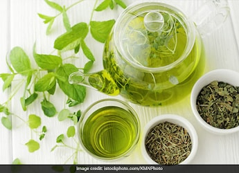 Milk, Chamomile Tea And More: 7 Healthy Drinks To Induce Good Night Sleep