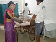मध्यप्रदेश : लोग मरीजों को ठेले में अस्पताल पहुंचा रहे, नई एंबुलेंसें धूल खा रहीं!