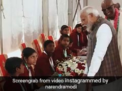Watch: Schoolgirl's Witty Reply To PM Modi As He Serves Akshay Patra Meal