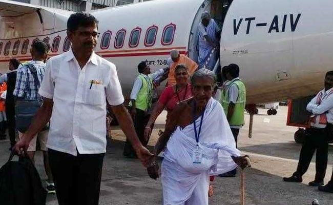 115 Tamil Nadu Seniors Take First Ever Flight Thanks To 2 Businessmen