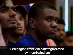 IPL में हारने के बाद मुंबई इंडियन्स के ड्रेसिंग रूम में ऐसे लगती है खिलाड़ी को फटकार- देखें Video
