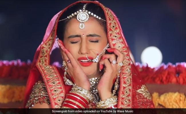 Bhojpuri Cinema: अक्षरा सिंह दुल्हन बनकर फूट-फूट कर रोईं, Video का इंटरनेट पर तहलका