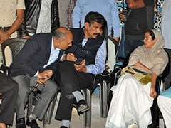 Mamata Banerjee's <i>Dharna</i> In Kolkata Enters Day 2: Live Updates