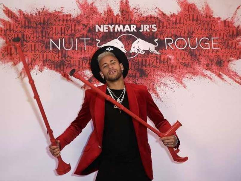 PSG Superstar Neymar Celebrates His Birthday On Crutches