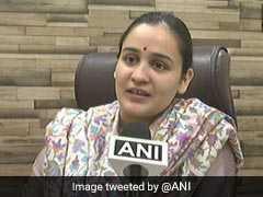 लखनऊ कैंट सीट के उपचुनाव में सपा ने मुलायम सिंह की छोटी बहू का टिकट काटा