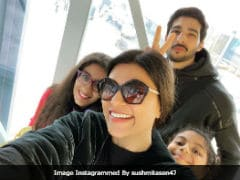 'Beautiful Family:' Priyanka Chopra Comments On Pic Of Sushmita Sen With Rohman Shawl And Daughters