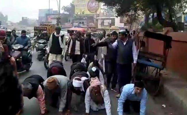 आगरा में रेंगती नागरिकता, पुणे में तेलतुम्बडे को लेकर चुप नागरिकता