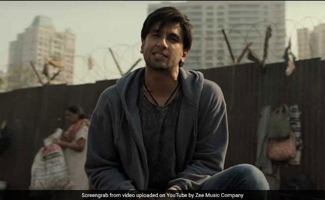 Gully Boy Celeb Review: Praise For 'Explosive' Ranveer Singh And 'Brilliant' Alia Bhatt On Twitter