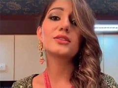 Sapna Choudhary ने 'कजरा मोहब्बत वाला' सॉन्ग पर इशारों से जीता दिल, Viral हुआ वीडियो