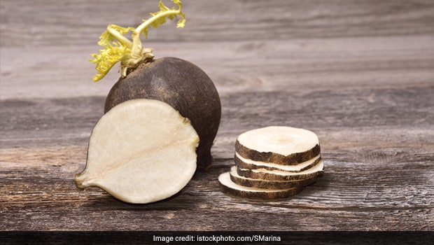 Winter Hacks: Here's How To Remedy Cold And Cough With Black Radishes!