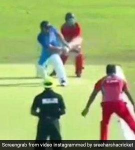युवराज सिंह ने अजीबोगरीब तरह से मारा छक्का, देखता रह गया गेंदबाज, देखें VIDEO