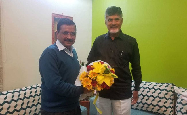 दिल्ली के मुख्यमंत्री अरविंद केजरीवाल से मिले चंद्रबाबू नायडू