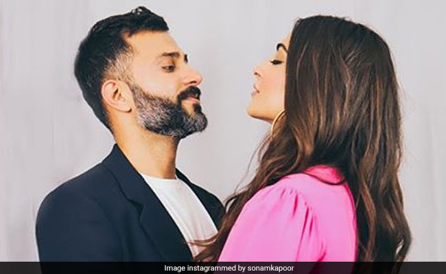 Valentine's Day 2019: Sonam Kapoor To Anushka Sharma, Bollywood Stars Post Mushy Pics With Partners