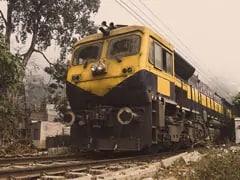 Sarkari Naukri: रेलवे में 1,200 पदों पर निकली वैकेंसी, 8वीं और 10वीं पास करें अप्लाई, नहीं होगा एग्जाम