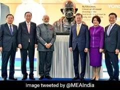 दक्षिण कोरियाः पीएम मोदी ने किया महात्मा गांधी की प्रतिमा का अनावरण, शांति पुरस्कार से होंगे सम्मानित