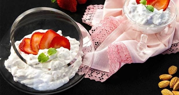 आमंड स्ट्रॉबेरी क्रीम