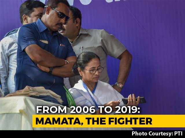 "Video : Mamata Banerjee, Metro Channel Station, Deja Vu. ""Dharna "" Didi Returns"