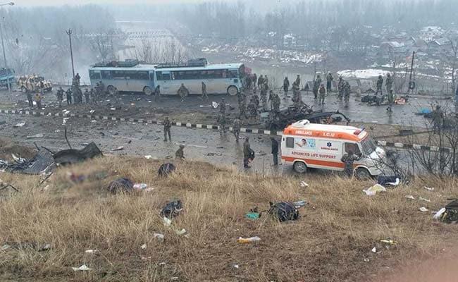 जम्मू कश्मीर के पुलवामा में बड़ा आतंकी हमला, CRPF के 40 जवान शहीद, आतंकी संगठन जैश-ए-मोहम्मद ने ली जिम्मेदारी